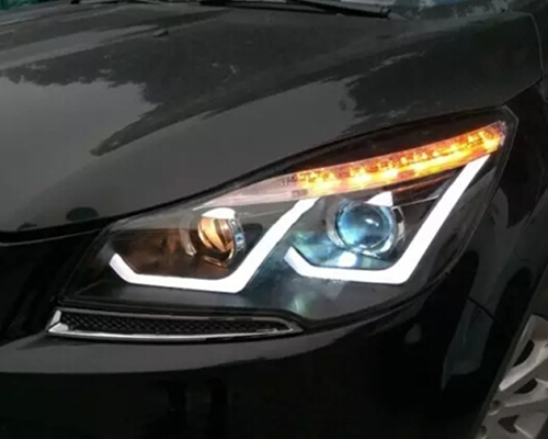 安装龙鼎双U大灯总成 Q5双光透镜LED日行灯